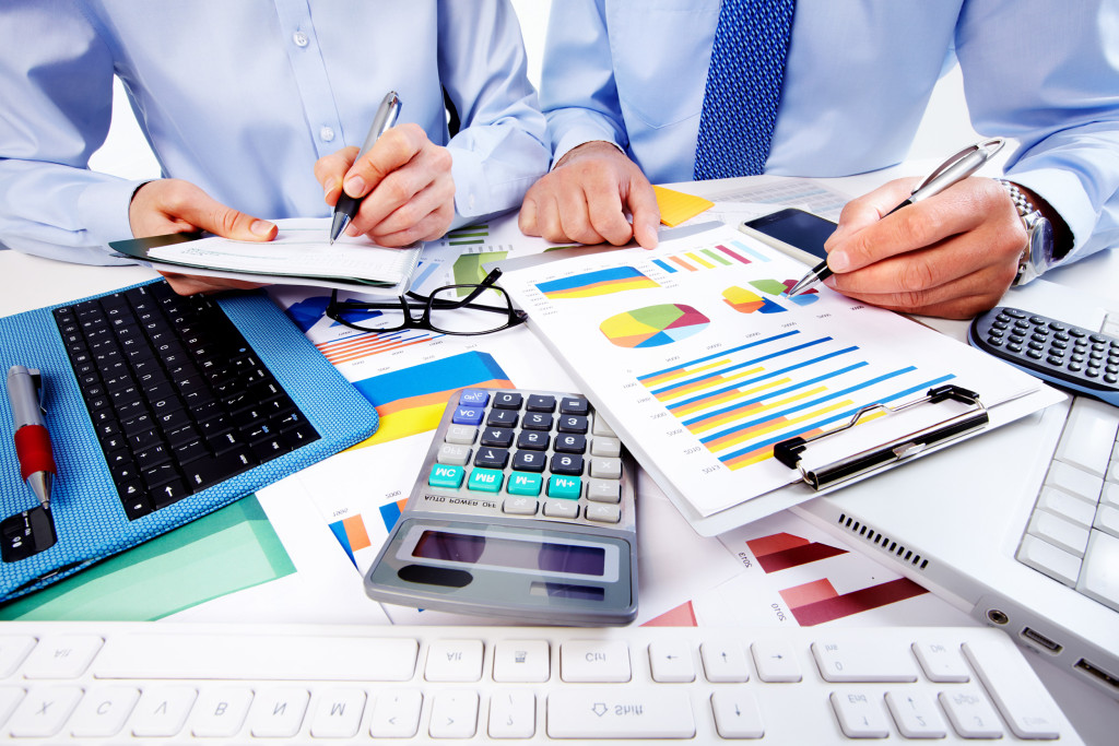 men_accounting-2-1024x683